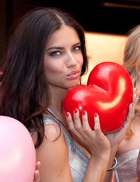Victoria's Secret Angels Valentine's Day Event 2012 (6)