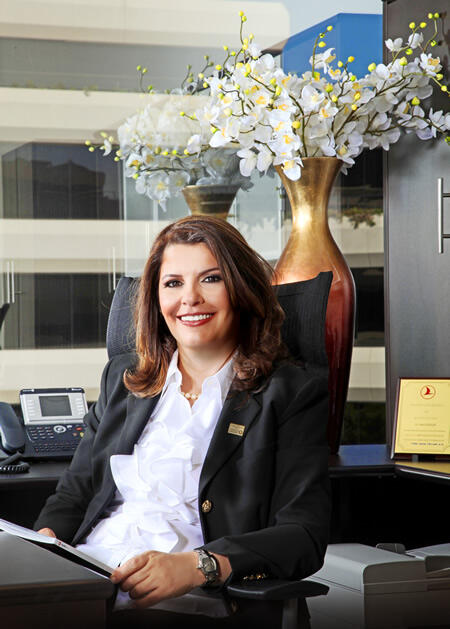 """Fatma Yuceler Smart Business Magazine Cover Story: Fatma Yuceler """"Most Compelling Woman In The Travel"""