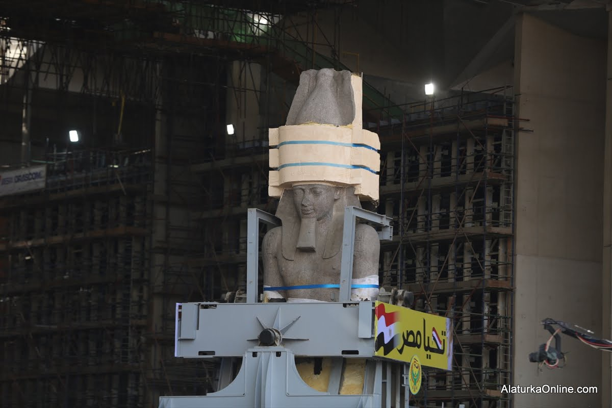 Relocation of Statue of Ramesses II in Egypt (7)